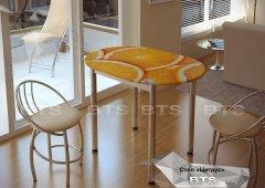 Стол обеденный с принтом